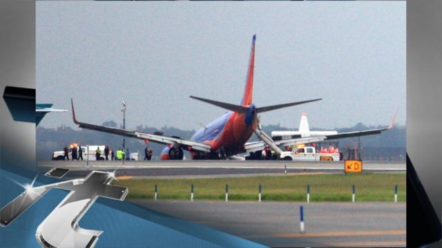 News video: Southwest's LaGuardia Airport Landing Gear Collapse Results In Injuries